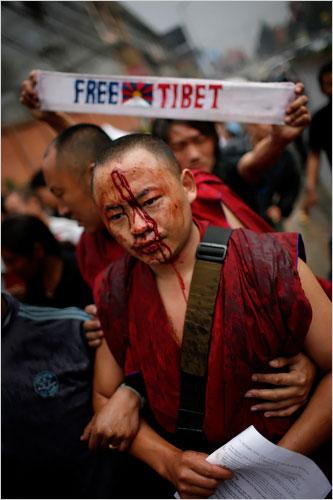 Monaci in rivolta in Tibet